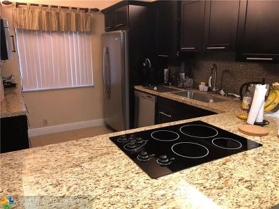 Weston Condo/Townhouse For Sale