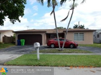 Sunrise Single Family Home For Sale: 11841 NW 30th Pl