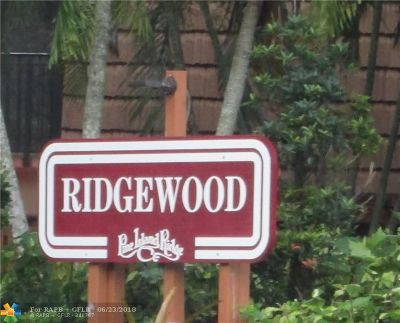 Davie Condo/Townhouse Backup Contract-Call LA: 9153 SW 23rd St #D
