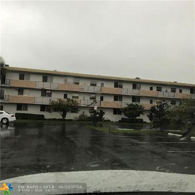 Sunrise Condo/Townhouse For Sale: 5985 Del Lago Cir #316