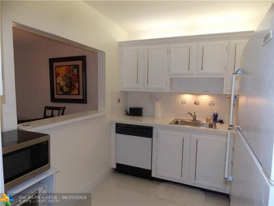 Margate Condo/Townhouse For Sale: 5680 SW 3rd Pl #108