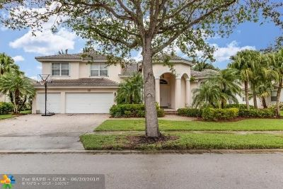 Pembroke Pines Single Family Home For Sale: 1913 NW 167th Avenue