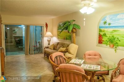 Pompano Beach Condo/Townhouse For Sale: 2230 N Cypress Bend Dr #104
