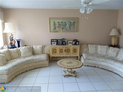 Deerfield Beach Condo/Townhouse For Sale: 2159 Cambridge G #2159