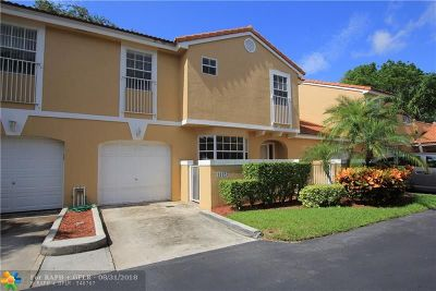 Coral Springs Condo/Townhouse For Sale: 11325 Lakeview Dr #1