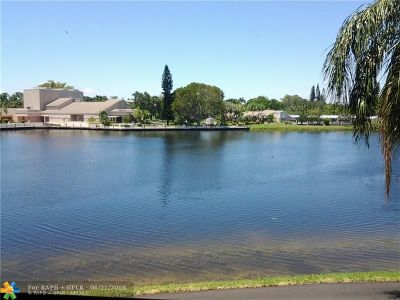 Coconut Creek Condo/Townhouse For Sale: 2565 NW 42nd Ave #2565
