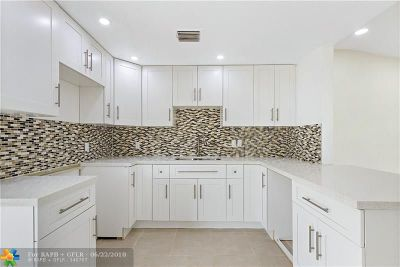 Hollywood Single Family Home For Sale: 6801 Scott St