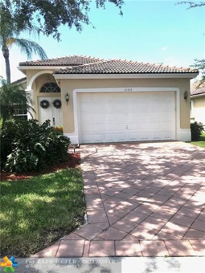 Single Family Home For Sale: 12342 NW 53rd St