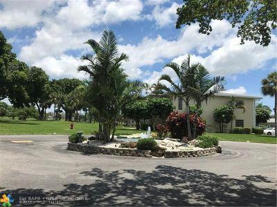 Delray Beach Condo/Townhouse For Sale: 13702 Via Flora #F