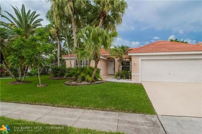 Pembroke Pines Single Family Home For Sale: 709 NW 177th Ave