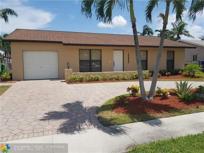 Sunrise Single Family Home For Sale: 10955 NW 27th Pl
