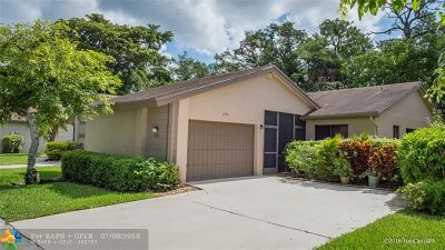 Coconut Creek Single Family Home For Sale: 2230 Seagrape Cir