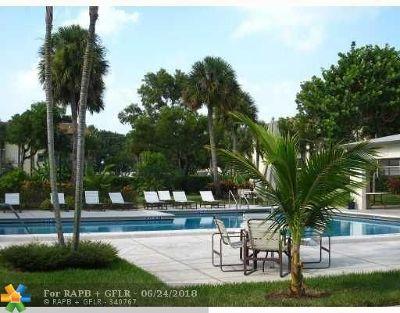 Tamarac Condo/Townhouse For Sale: 6085 N Sabal Palm Blvd #102