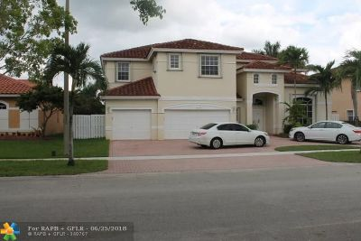 Pembroke Pines Single Family Home For Sale: 16329 NW 15th St