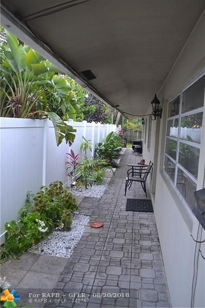 Fort Lauderdale FL Multi Family Home For Sale: $400,000