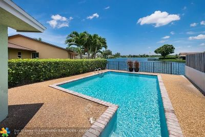 Oakland Park Single Family Home For Sale: 1930 NW 42nd St