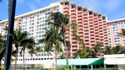 Miami Beach Condo/Townhouse For Sale