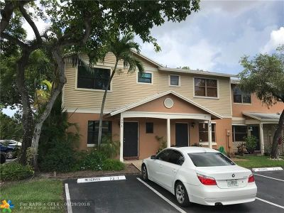 Pembroke Pines Condo/Townhouse For Sale: 771 NW 106th Ave #771