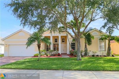Davie Single Family Home For Sale: 9721 Ridge Walk Ct