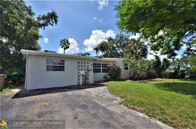 Davie Single Family Home For Sale: 5830 SW 54th Ave
