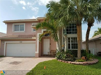 Pembroke Pines Single Family Home For Sale: 17093 NW 20th St