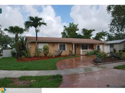 Miami Single Family Home For Sale: 10900 SW 125th Ave