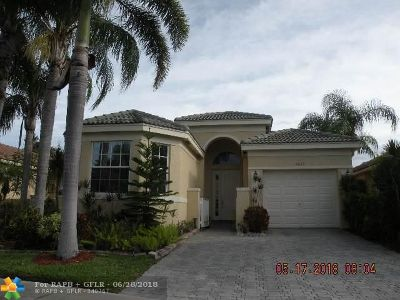 Delray Beach Single Family Home For Sale: 7069 Del Corso Ln