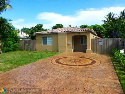Hollywood Single Family Home For Sale: 2826 Dewey St