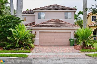 Weston Single Family Home For Sale: 991 Silktree Ln