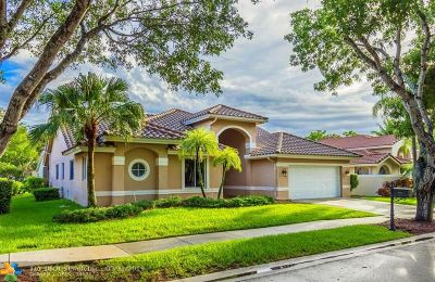 Weston Single Family Home For Sale: 732 Crescent Way
