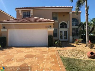 Pembroke Pines Single Family Home For Sale: 1590 NW 159th Ave