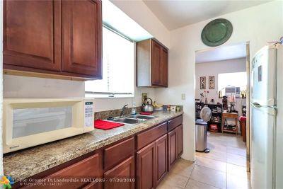 Deerfield Beach Single Family Home For Sale: 1316 SE 1st Ter