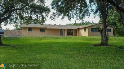Southwest Ranches Single Family Home For Sale: 13801 Mustang Trl