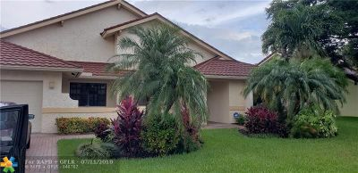 Davie Single Family Home For Sale: 1530 E Oak Knoll Cir