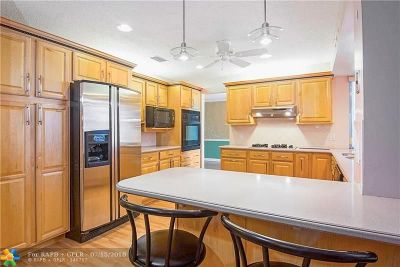 Sunrise Single Family Home For Sale: 12041 NW 30th Pl