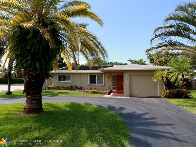 Oakland Park Single Family Home For Sale: 2031 NW 32nd St
