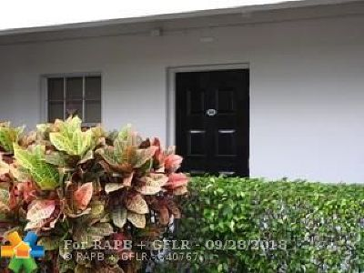 Pompano Beach Condo/Townhouse For Sale: 2900 N Course Dr #104