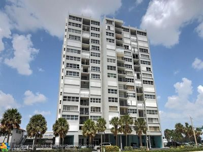 Hollywood Condo/Townhouse For Sale: 1400 S Ocean Dr #1207