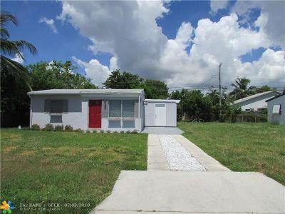Pompano Beach Single Family Home For Sale: 3071 NE 12th Ave