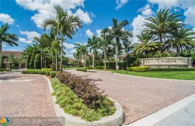 Plantation Condo/Townhouse For Sale: 13007 N Riverwalk Cir N #13007