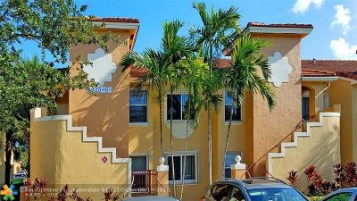 Pembroke Pines Condo/Townhouse For Sale: 7920 NW 6th St #201