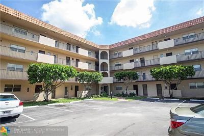 Lauderhill Condo/Townhouse For Sale: 5961 N Falls Circle Dr #111