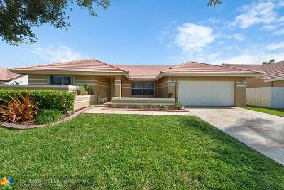Pembroke Pines Single Family Home For Sale: 16162 NW 12th St