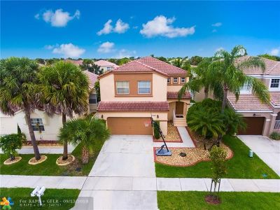 Pembroke Pines Single Family Home For Sale: 1241 NW 159 Lane