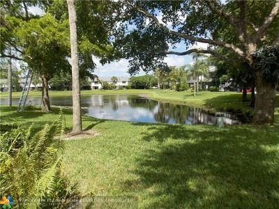 Coconut Creek Condo/Townhouse For Sale: 3341 Carambola Cir #2415
