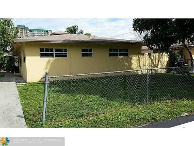 Pompano Beach Multi Family Home For Sale: 831 SW 7th St