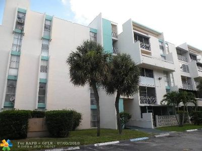 Lauderhill Condo/Townhouse For Sale: 2017 NW 46th Ave #202