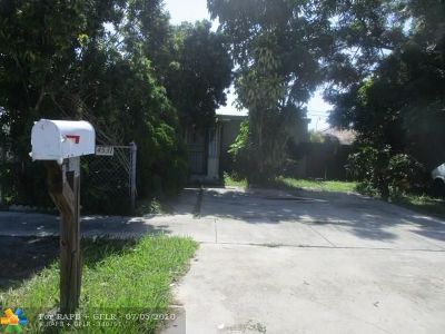 Miami Single Family Home For Sale: 4531 SW 97th Ct