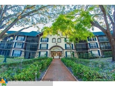 Lauderhill Condo/Townhouse For Sale: 3720 Inverrary Dr #2y