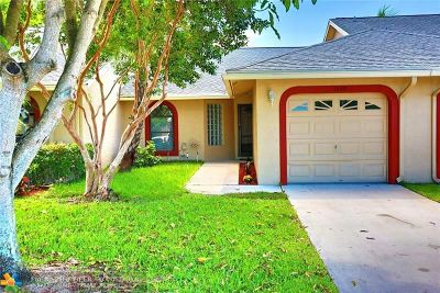 Tamarac Condo/Townhouse For Sale: 7649 NW 99th Ave #7649
